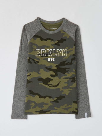 Picture of Camouflage slogan T-shirt